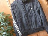 Чёрная ветровка Adidas, размер 42